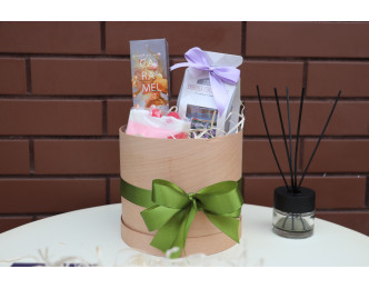 Подарунковий набір у дерев'яній коробці