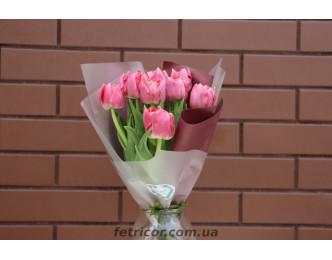 Букет з тюльпанами